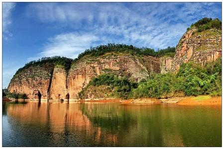 豪华型【天天】大金湖、上清溪、玉华洞、泰宁古城动车2日游